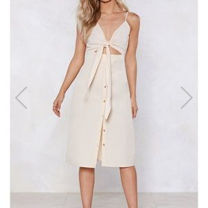 Nasty gal cut out the middle woman midi dress!